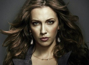 Arrow: produtor revela mais sobre Laurel no começo da 2ª temporada!
