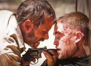 [CINEMA] Guy Pearce e Robert Pattinson no trailer do violento e agitado The Rover
