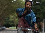 High Maintenance: cheiro entrega traficante no trailer do 2º episódio