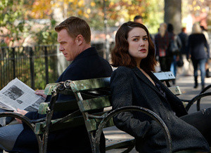 The Blacklist: Liz infiltrada entre ladras no trailer e fotos do episódio 4x11