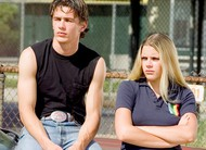Freaks and Geeks: Busy Philipps acusa James Franco de agressão durante a série