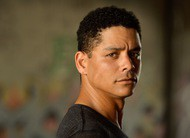 YOU: Charlie Barnett, de Chicago Fire e Boneca Russa, está no elenco da 2ª temporada